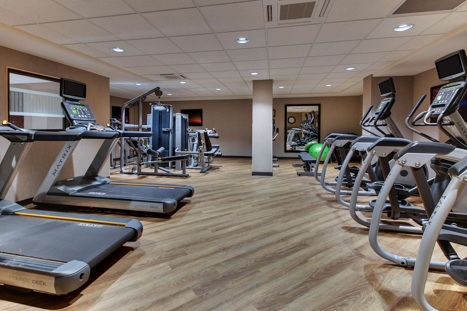 Fitness/ Exercise Room - Drury Plaza Hotel Downtown Milwaukee
