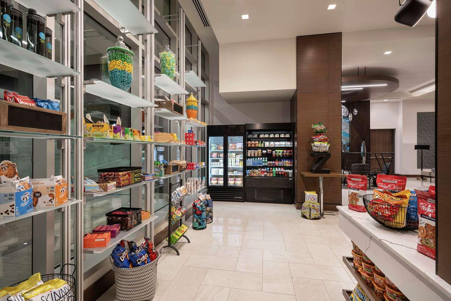 Restaurant - Home2 Suites by Hilton & Convention Center Downtown Denver