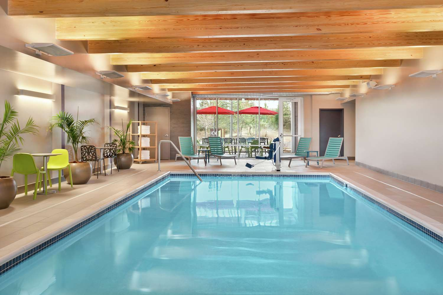 Pool - Home2 Suites by Hilton North Harrisburg