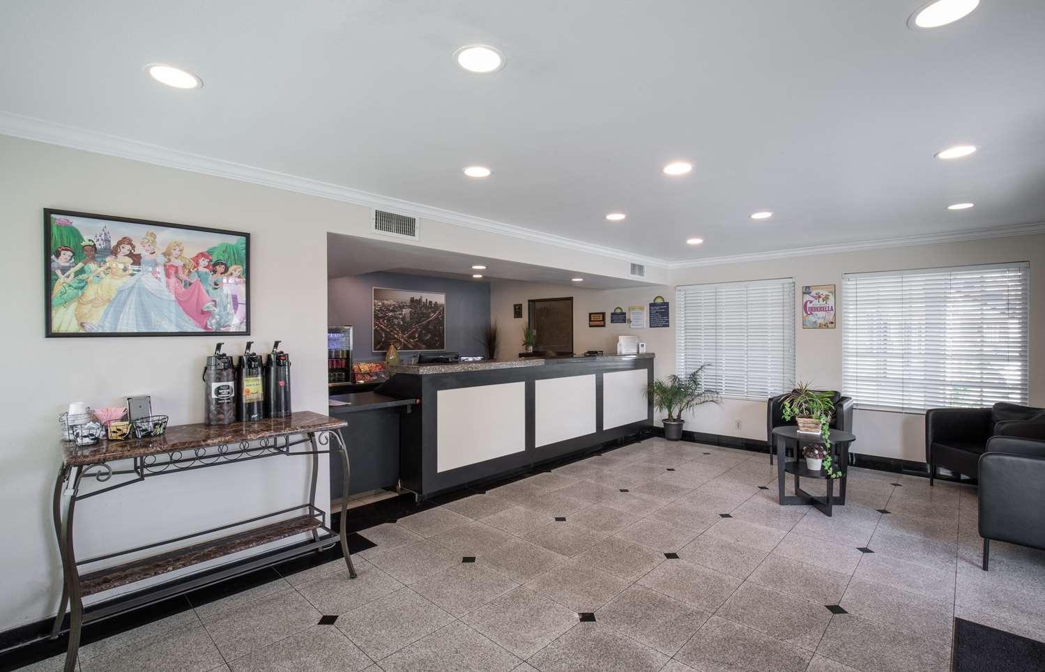 Lobby - Signature Hotel Maingate Anaheim