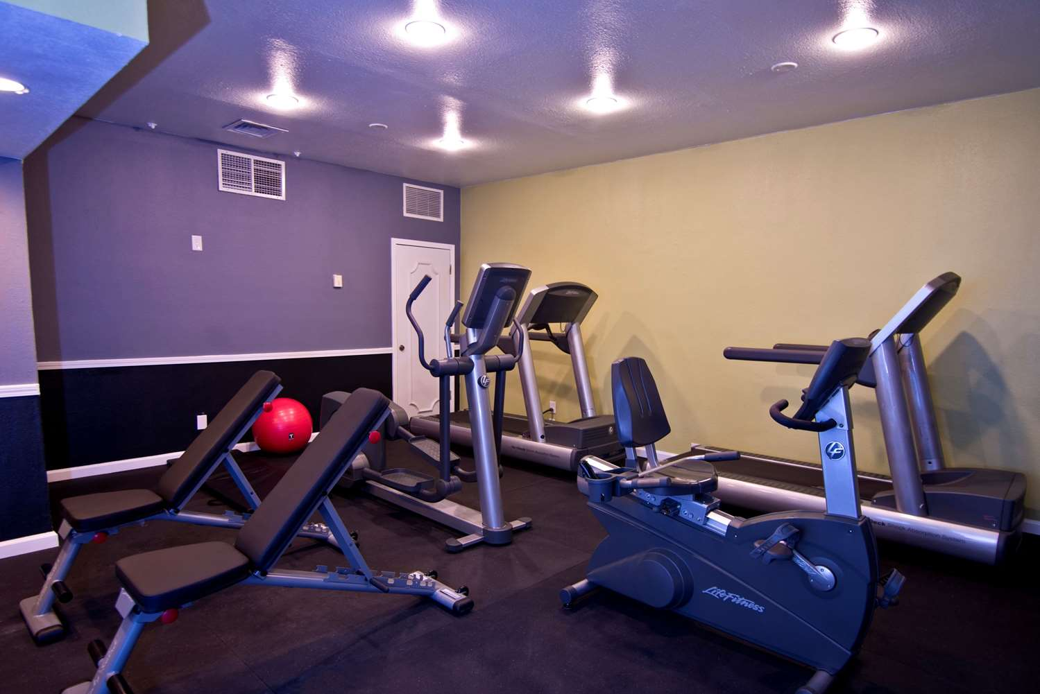 Fitness/ Exercise Room - Chase Suite Hotel El Paso