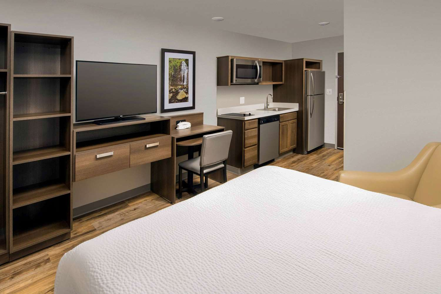 Room - Woodspring Suites Cherry Hill