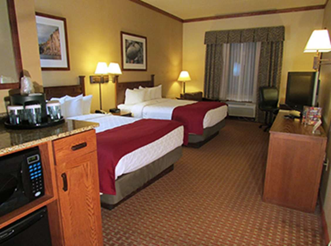 Room - Canal Park Lodge Duluth