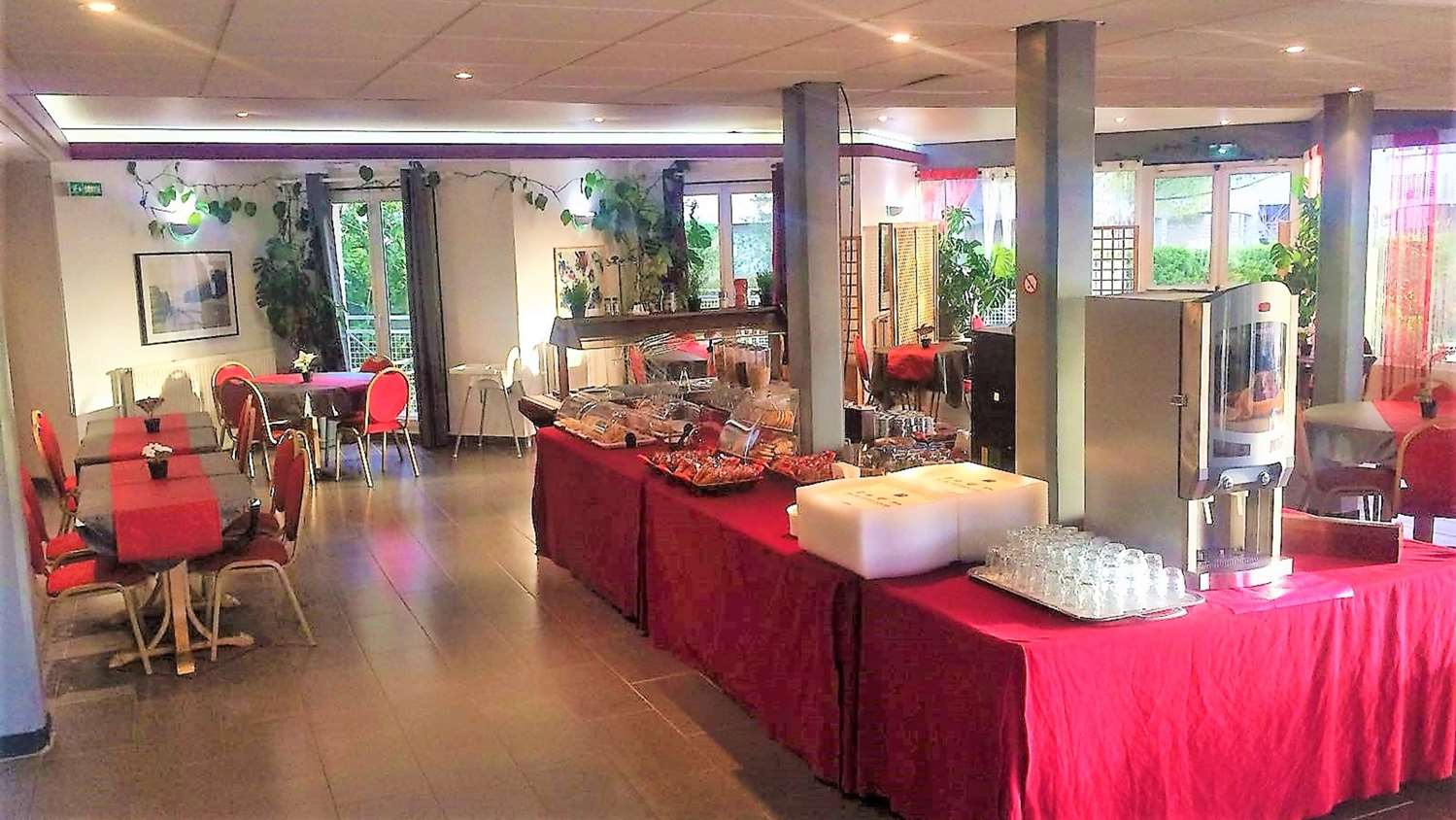 Restaurant - Hotel Kyriad Saint-Fargeau-Ponthierry - Apollonia