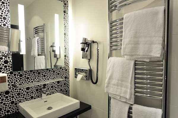 Hotel HOTEL KYRIAD PRESTIGE PERPIGNAN - Centre Del Mon - Standard Room