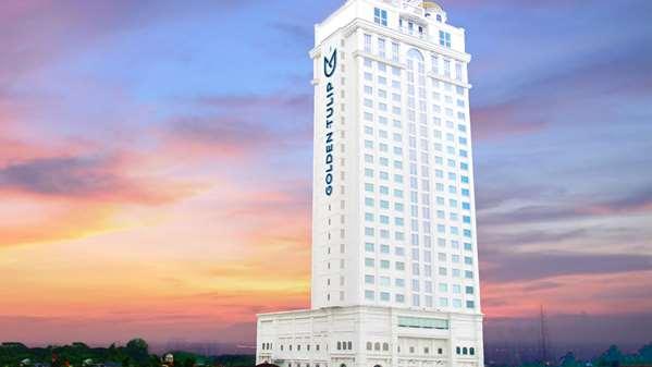 فندق Golden Tulip Legacy Surabaya