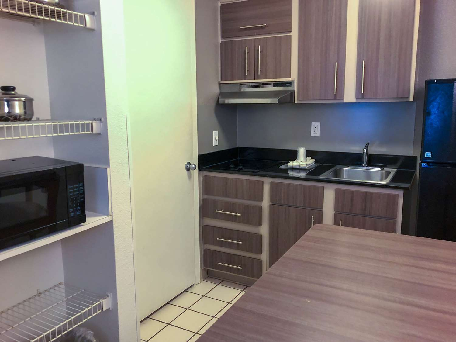 Amenities - Studio 6 Extended Stay Hotel Westchase Houston