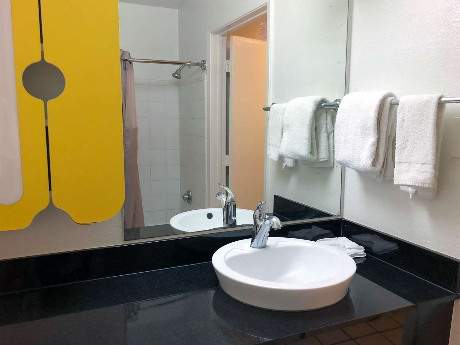 Room - Studio 6 Extended Stay Hotel Westchase Houston