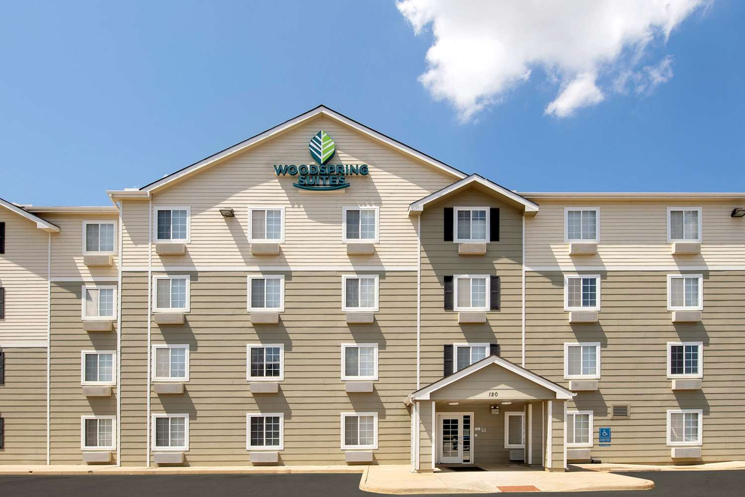 Exterior view - WoodSpring Suites Madison