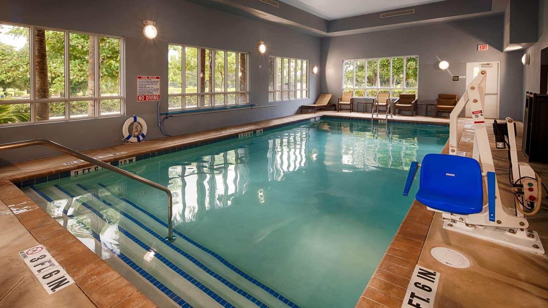Pool - Best Western Plus Miami Airport North Inn Miami Springs