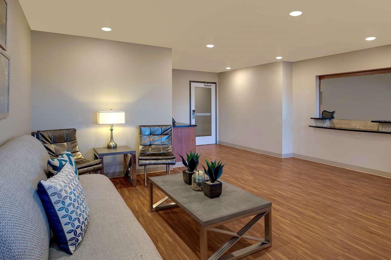 Lobby - Woodspring Suites Frederick