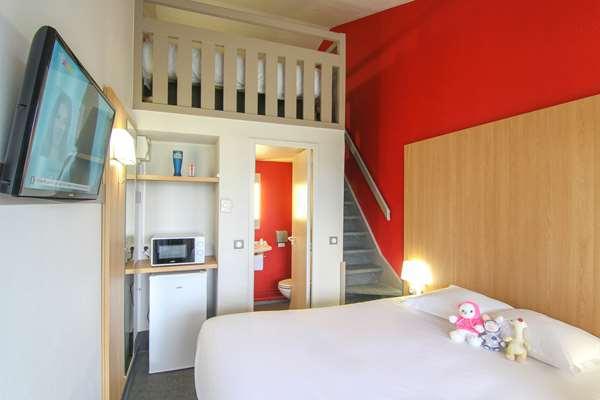 Hotel KYRIAD DIRECT POITIERS - Gare du Futuroscope
