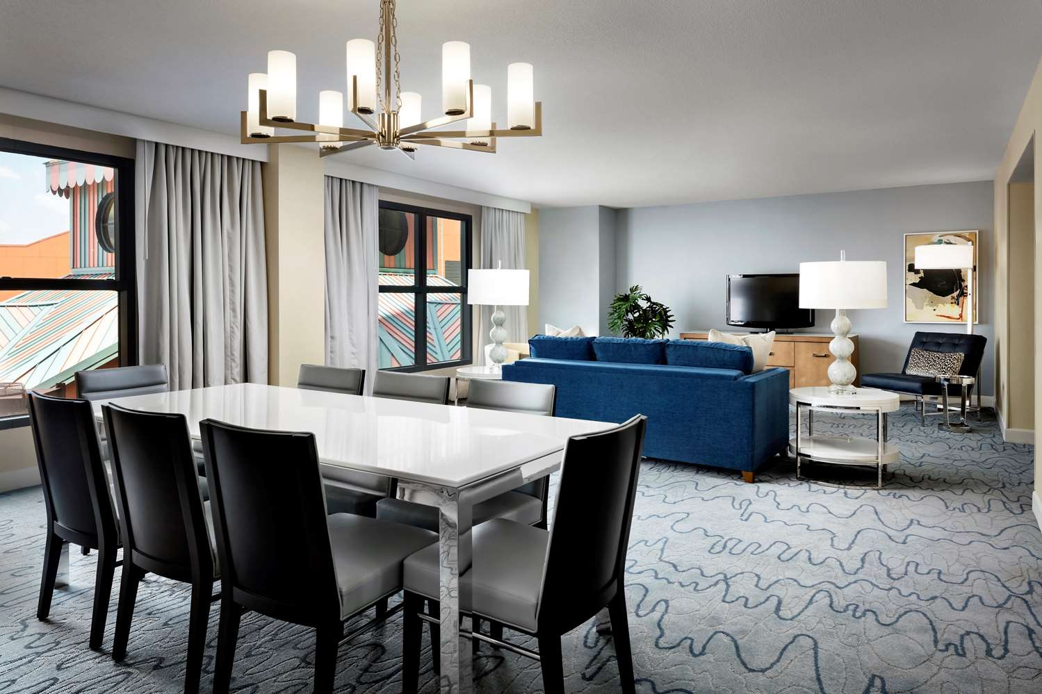Dolphin Grand Suite Parlor