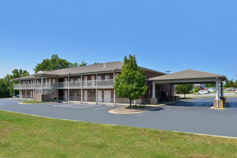 Exterior view - Americas Best Value Inn & Suites Bryant