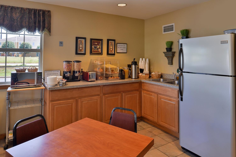 Restaurant - Americas Best Value Inn & Suites Bryant