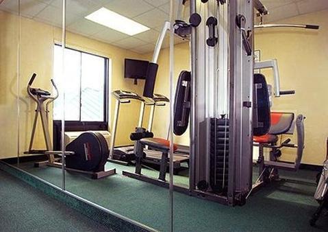 Fitness/ Exercise Room - Lexington Hotel Jonesboro