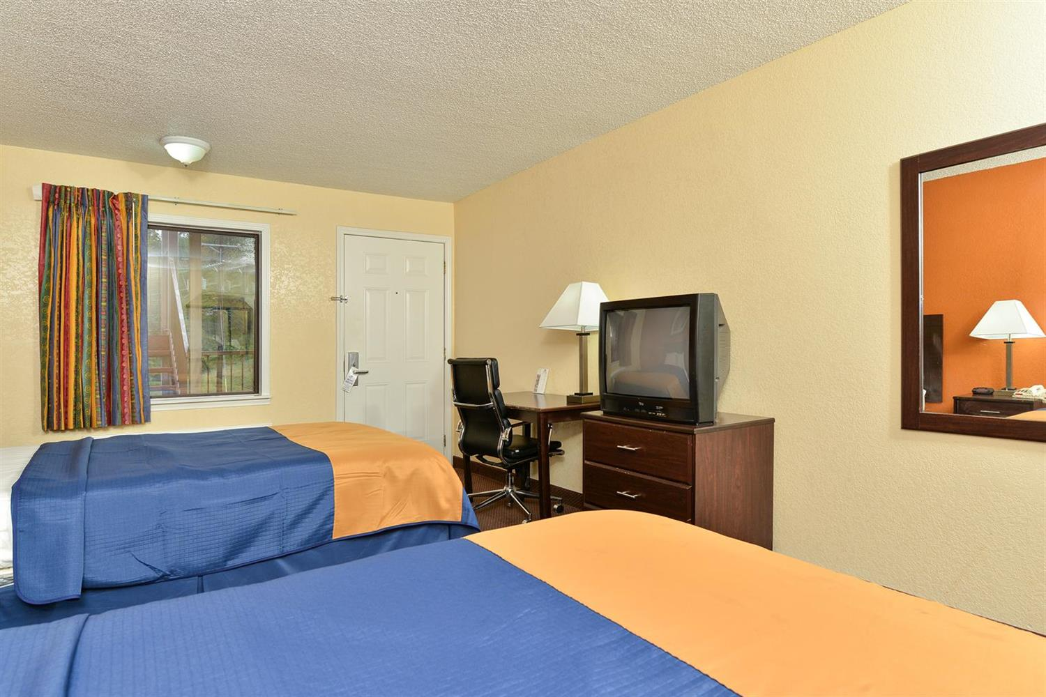 Room - Americas Best Value Inn North Little Rock