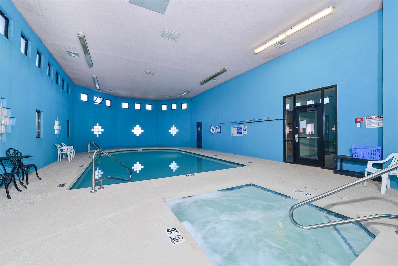 Pool - Americas Best Value Inn Prescott Valley