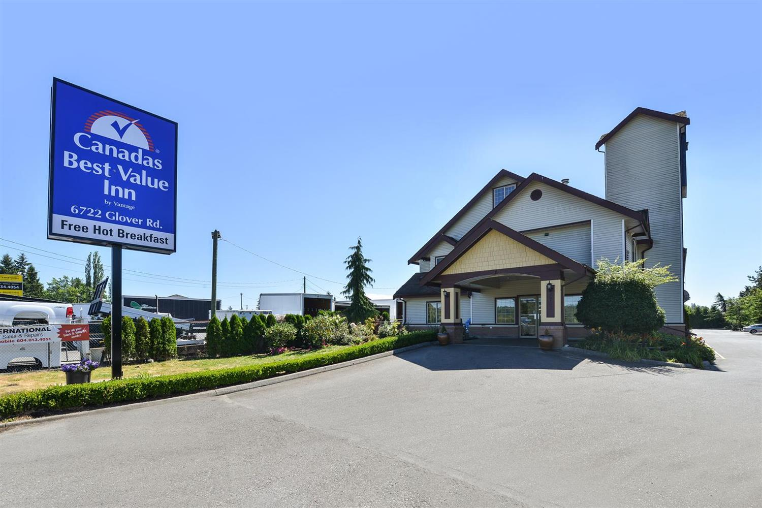 Exterior view - Canadas Best Value Inn Glover Road Langley