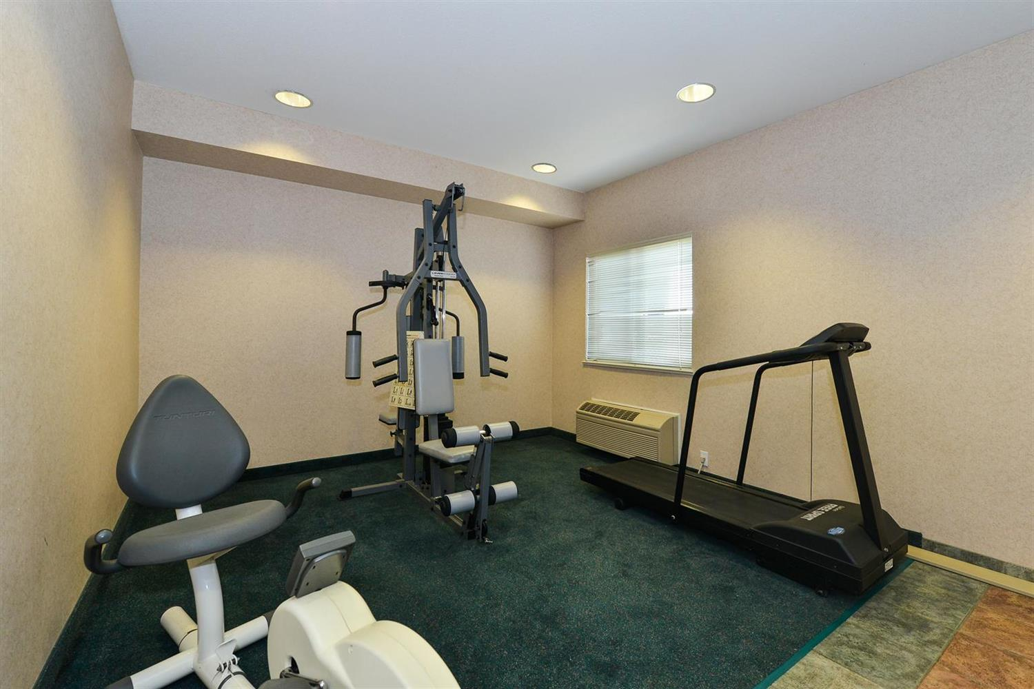 Fitness/ Exercise Room - Canadas Best Value Inn Glover Road Langley