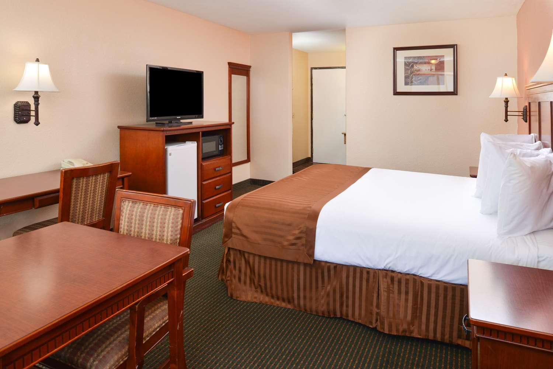 americas best value inn suites bakersfield ca see discounts
