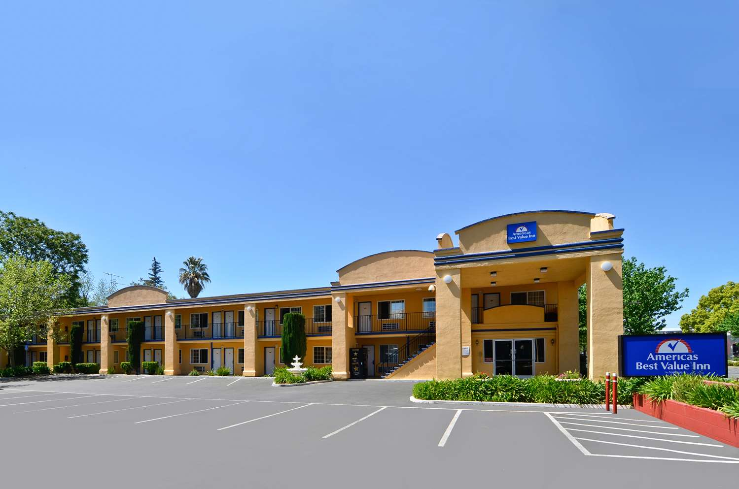 Exterior view - Americas Best Value Inn Chico