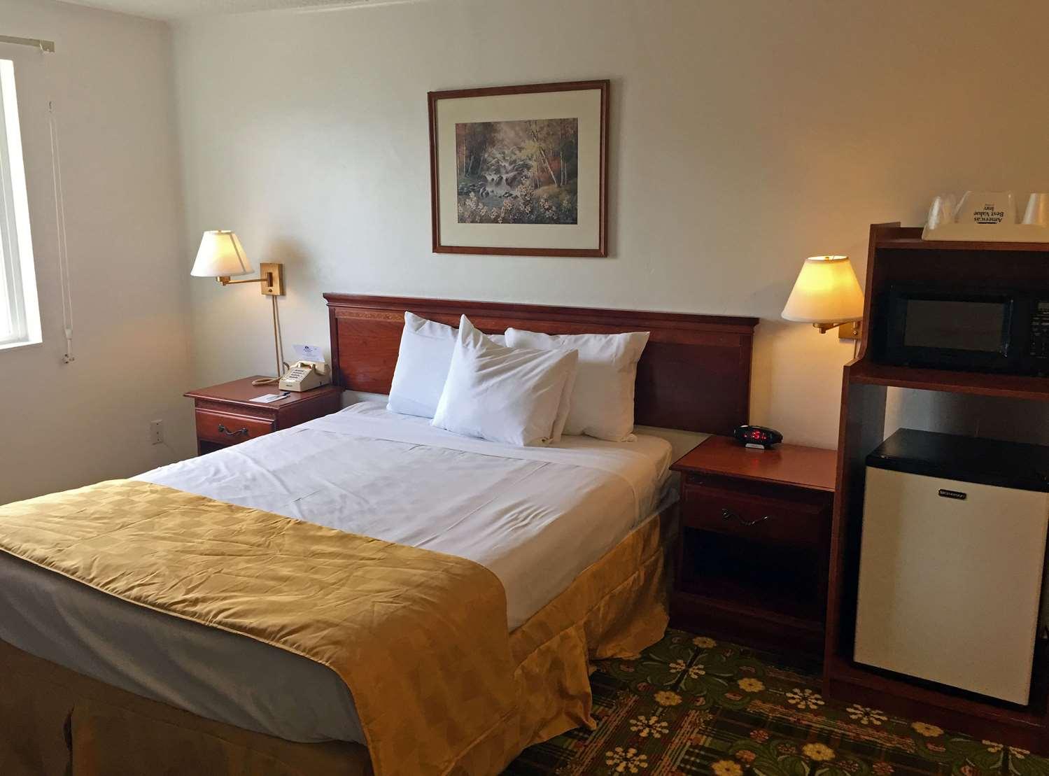 Room - Americas Best Value Inn & Suites Eureka