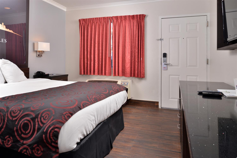Room - Americas Best Value Inn Hollywood
