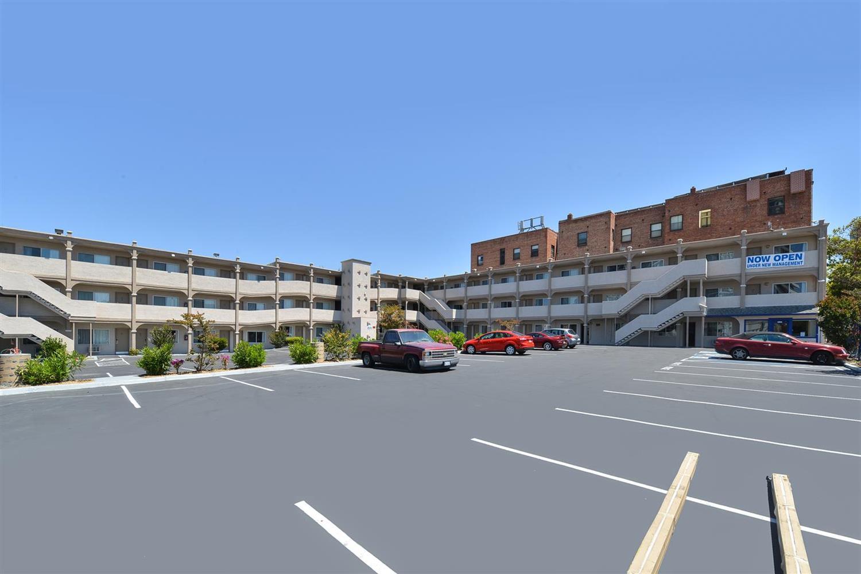Exterior view - Americas Best Value Inn Oakland