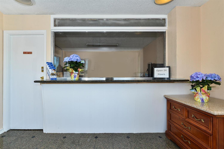 Lobby - Americas Best Value Inn Oakland