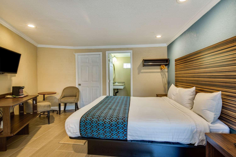 Room - Americas Best Value Inn Richmond