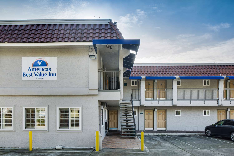 Exterior view - Americas Best Value Inn Richmond