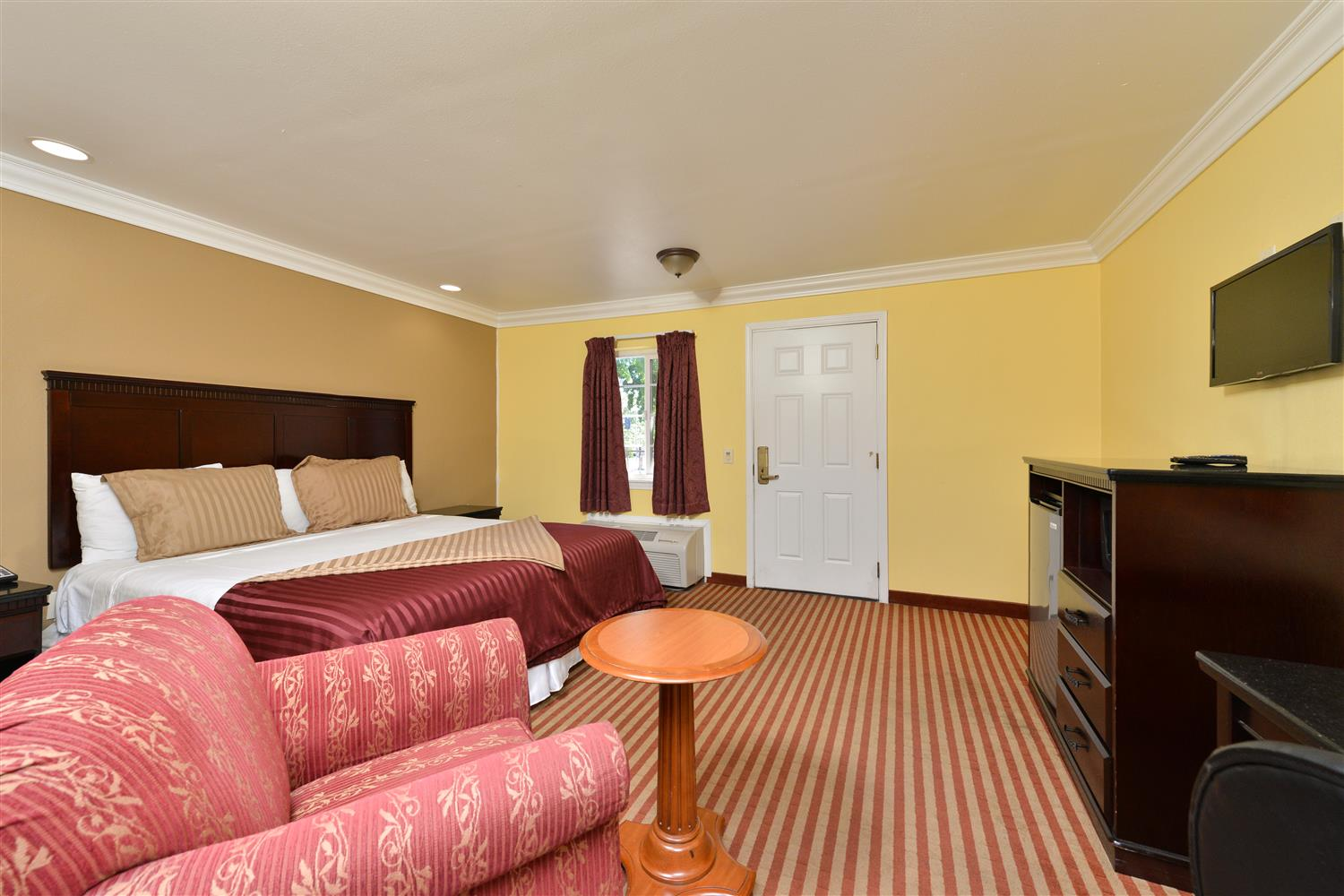 Room - Americas Best Value Inn Downtown Sacramento