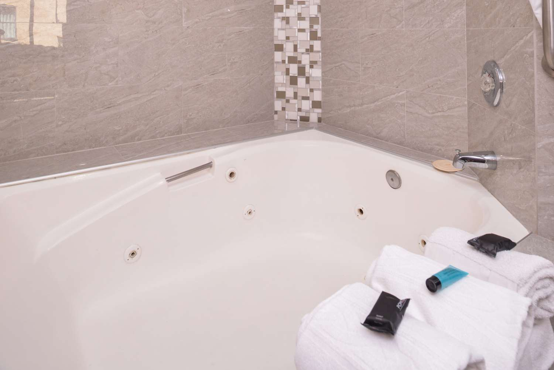 Spa - Americas Best Value Laguna Inn & Suites San Juan Capistrano
