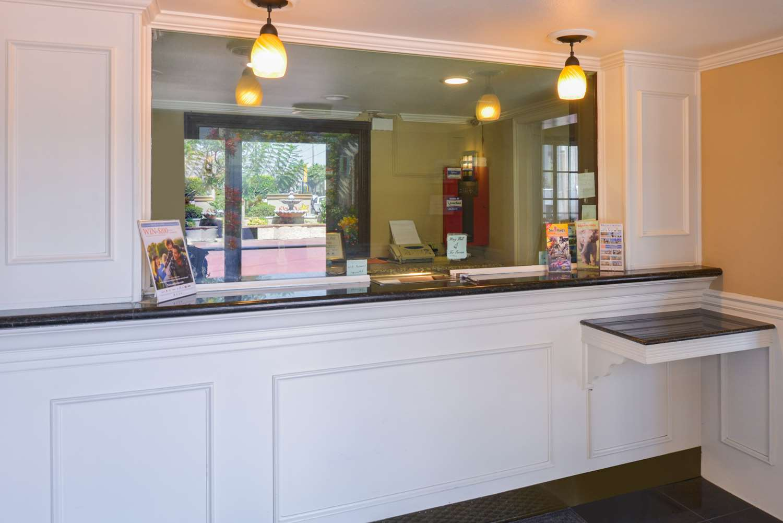 Lobby - Americas Best Value Laguna Inn & Suites San Juan Capistrano