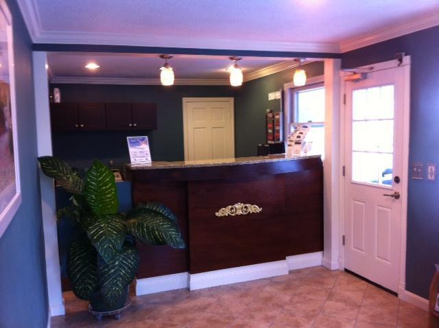 Lobby - Americas Best Value Inn Stonington