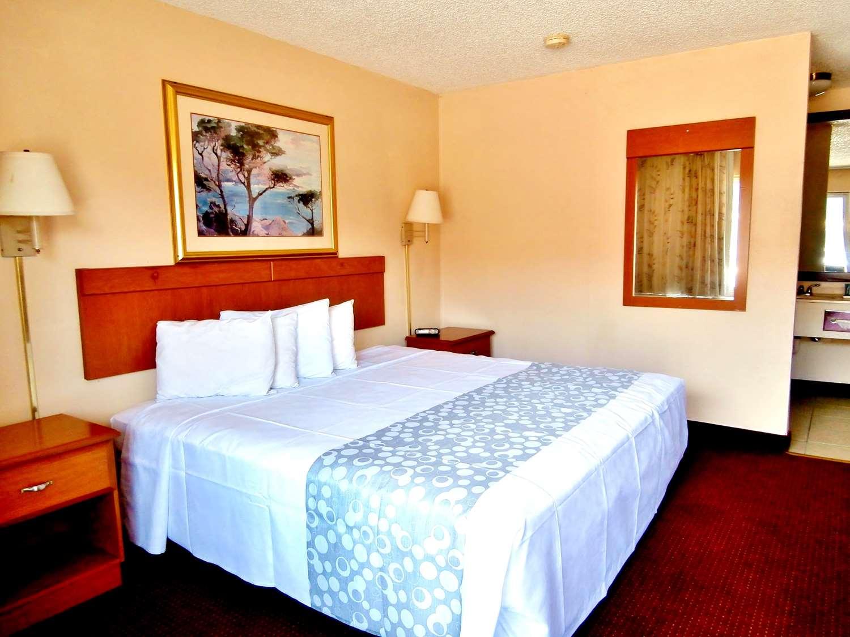 Room - Americas Best Value Inn Alachua