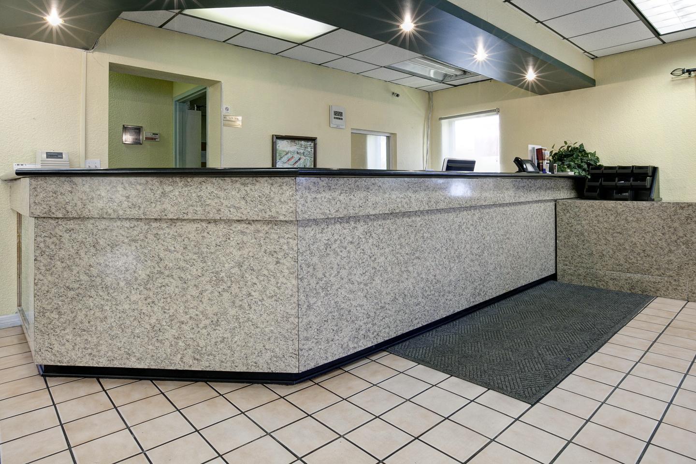 Lobby - Americas Best Value Inn Fort Pierce