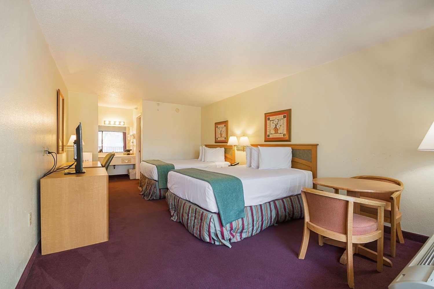Room - Americas Best Value Inn & Suites West Melbourne