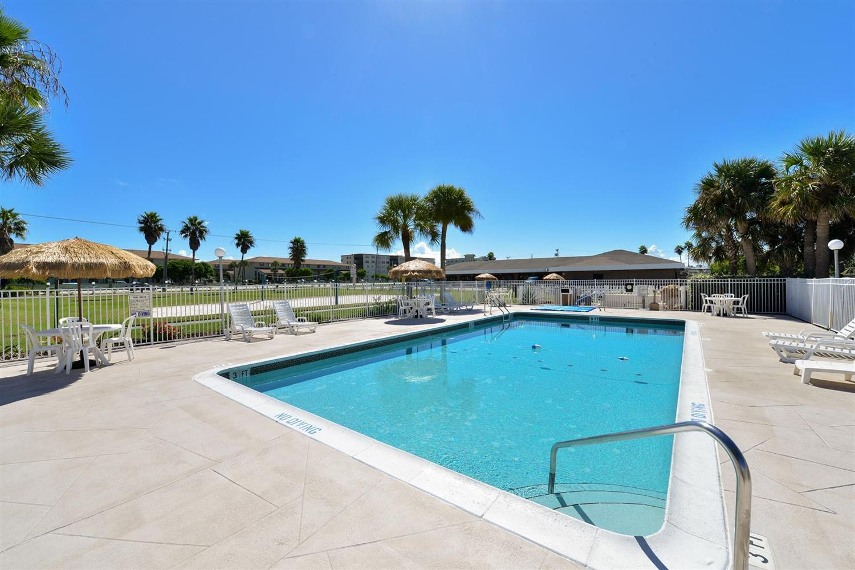 Pool - Americas Best Value Inn Satellite Beach