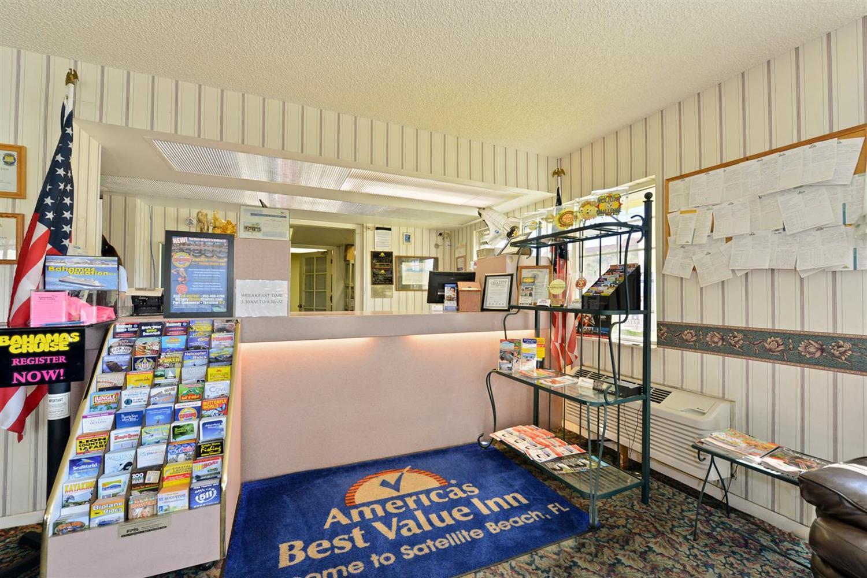 Lobby - Americas Best Value Inn Satellite Beach
