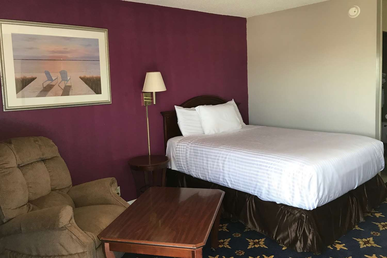 Room - Americas Best Value Inn & Suites Dalton