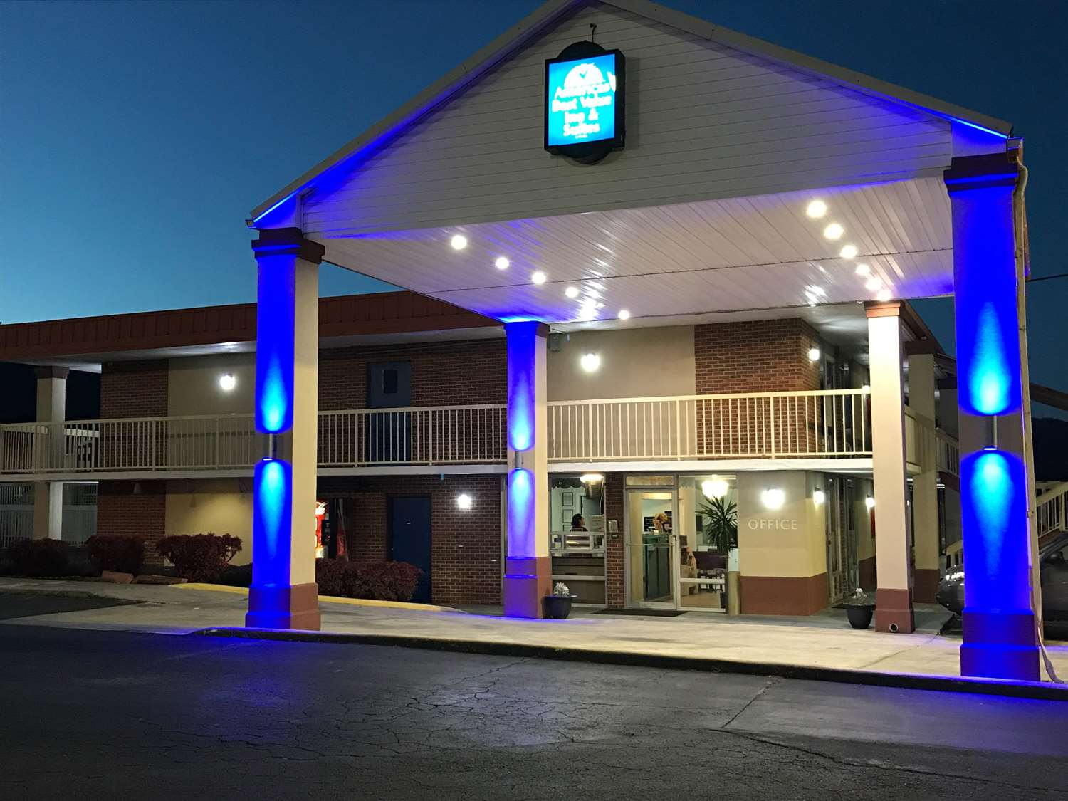 Exterior view - Americas Best Value Inn & Suites Dalton