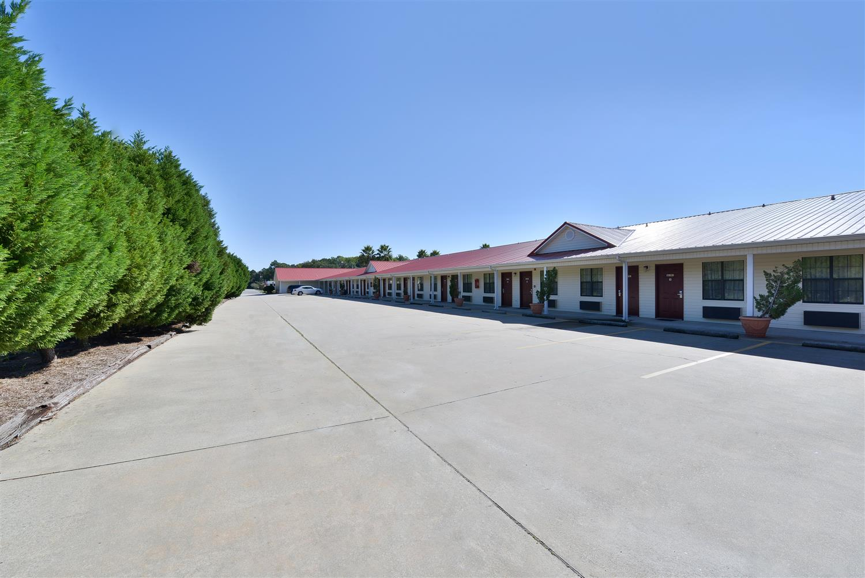 Exterior view - Americas Best Value Inn Hazlehurst