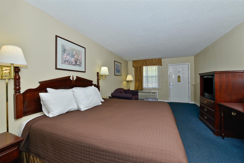 Room - Americas Best Value Inn Hazlehurst