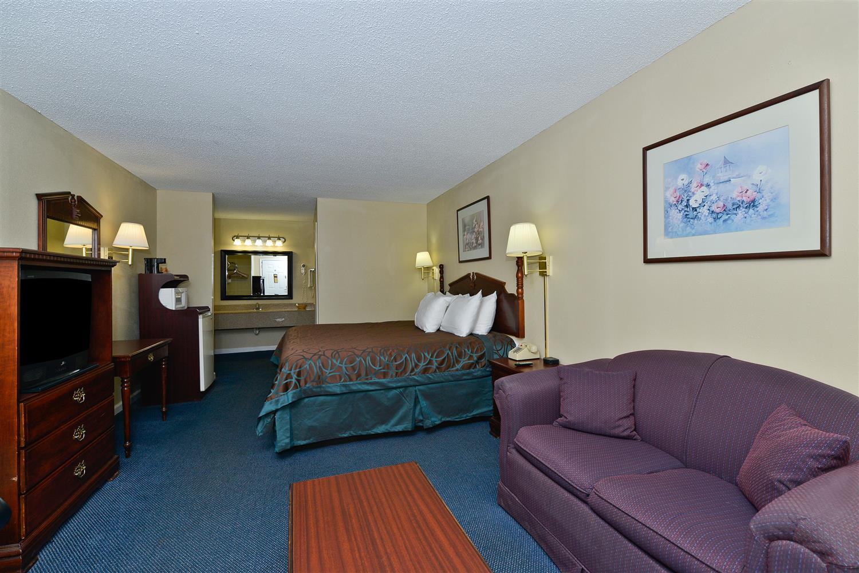 Suite - Americas Best Value Inn Hazlehurst