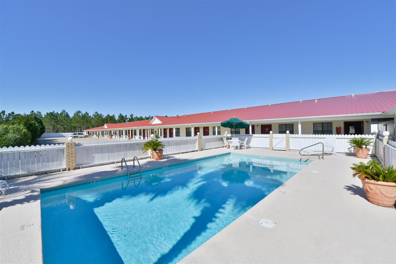 Pool - Americas Best Value Inn Hazlehurst