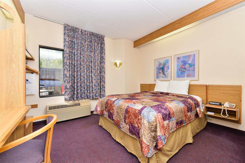 Room - Americas Best Value Inn & Suites Morrow