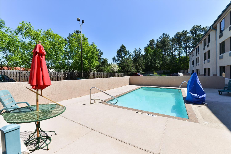 Pool - Americas Best Value Inn & Suites Morrow