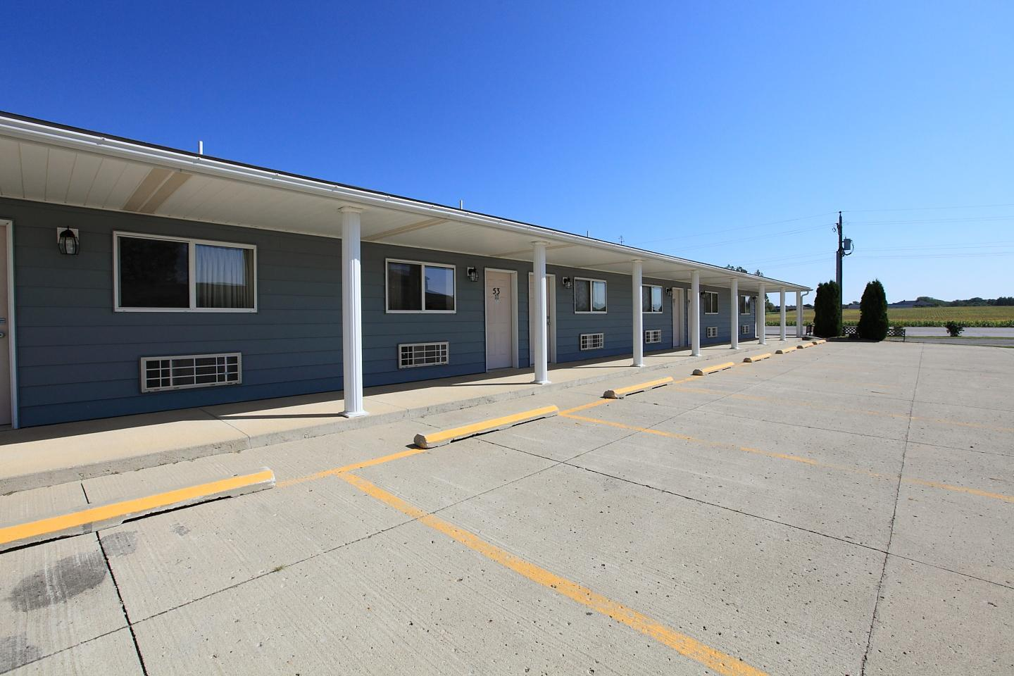 Exterior view - Americas Best Value Inn Emmetsburg